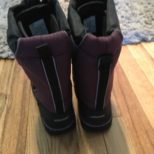 Baffin Shoes - Baffin mustang junior size 3 snow boots